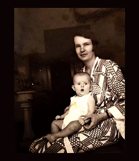 Detail van afbeelding 6 (Irma Pool met Elizabeth Pool in kimono). Bron: persoonlijk archief.