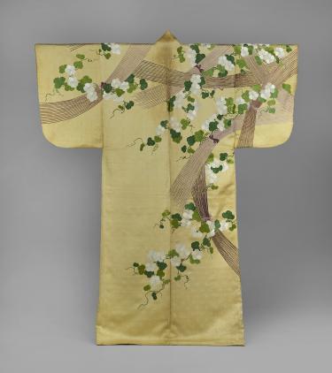 Nuihaku met maanbloemen en takkenbossen, anoniem, 1700-1800. Collectie Okura Museum of Art.