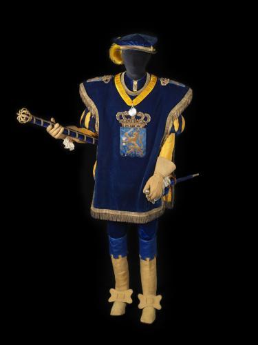 Foto van kostuum wapenheraut.