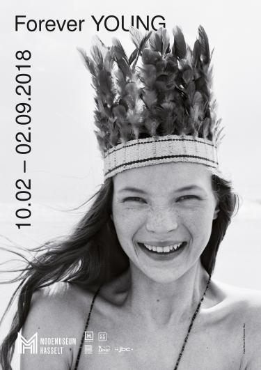 Agenda Modemuze Modemuseum Hasselt tentoonstelling forever YOUNG.  Foto door Corinne Day ©Trunk Archive