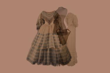 Korsetten uit verschillende tijden, een crinolinejapon of een robe à l'anglaise - alles komt aan bod in de introductie op de modegeschiedenis in het depot van Museum Rotterdam.