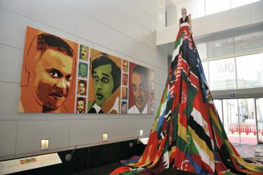 Valentijn de Hingh, Amsterdam Rainbow Dress, collectie Amsterdam Museum, LHBTI,