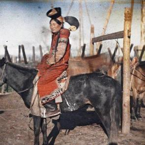 The colour of clothes. Fashion and identity in autochromes