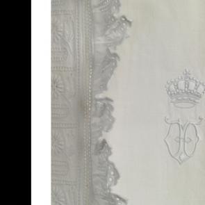 Nieuwe aanwinsten: Koninklijke nachtjapon