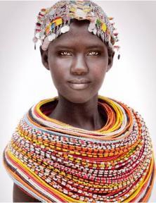 Samburu meisje uit Kenia. Fotograaf: Mario Gerth.