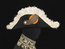 Steek behorend bij het ambtskostuum van een consul-generaal. Foto: Stef Verstraaten. Collectie Paleis Het Loo