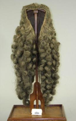 Pruik van Egbert de Vrij Temminck, burgemeester van Amsterdam, 1780-1799, Amsterdam Museum