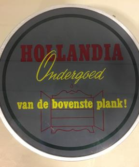 Agenda Modemuze Museum Veenendaal tentoonstelling Van nostalgie tot lingerie. Hollandia Ondergoed van de bovenste plank