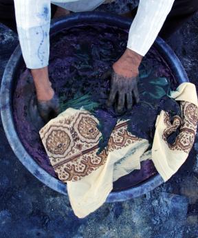 Natural Dyeing door Indiase ambachtslieden