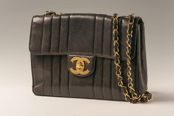 fabe6f5139f De Chanel handtas 2.55 | Modemuze