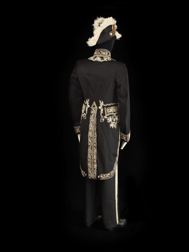 Gebr. Domhoff, circa 1910. Ambtskostuum van een consul-generaal. Foto: Stef Verstraaten. Collectie Paleis Het Loo