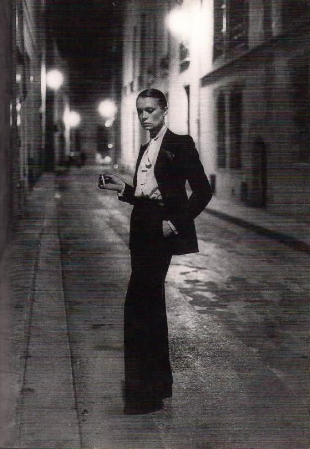 Le Smoking, Yves Saint Laurent, 1966, foto: Helmut Newton.
