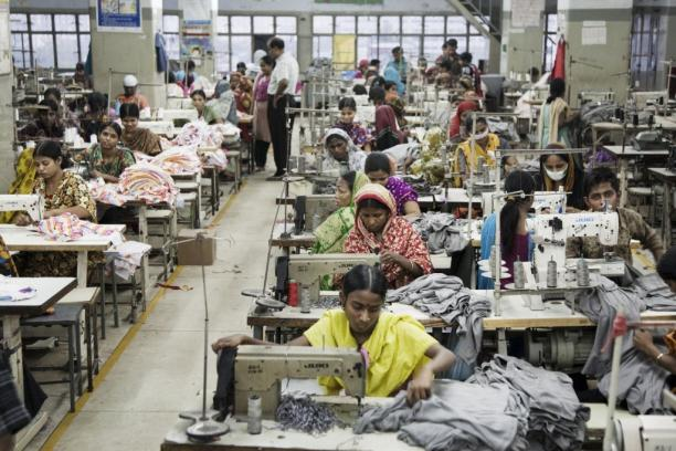 Kledingfabriek in Bangladesh, 2014. Foto: ©The Times.
