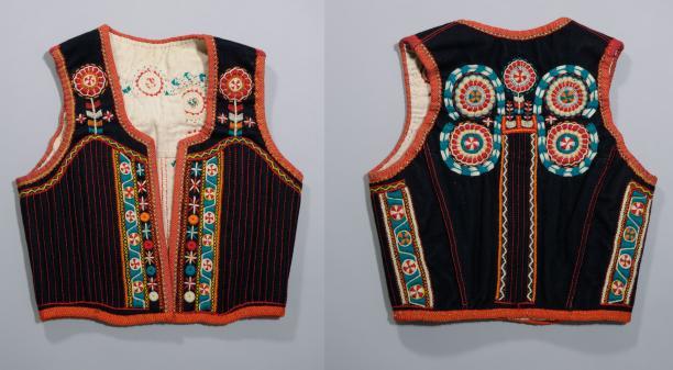 Blog Modemuze Jacco Hooikammer Recycling Rijglijf voor in de rouw, Marken, ca. 1900-49, Nederlands Openluchtmuseum HM.200