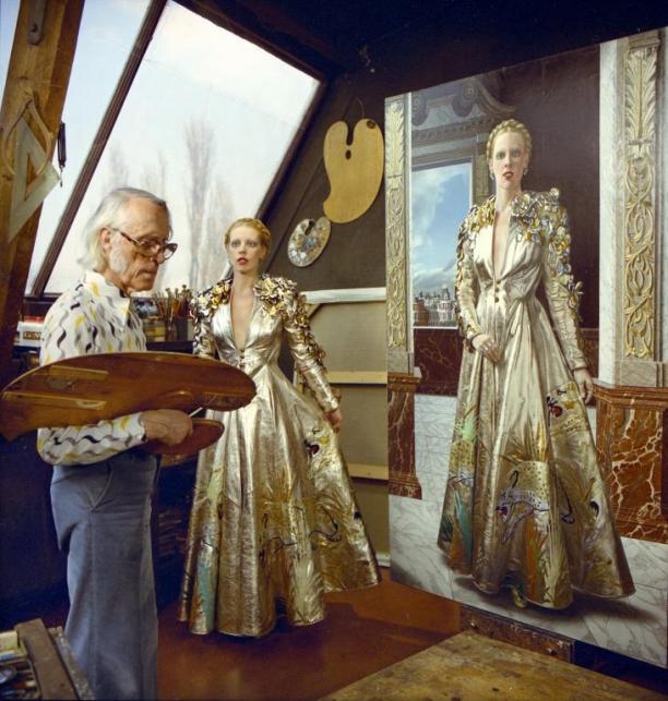 Carel Willink schildert Mathilde Willink in mantel Luipaard gemaakt door Fong Leng. Beeld Museum More Kasteel Ruurlo