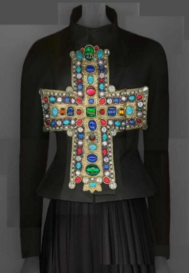 """Digitale compositie van Katerina Jebb van het """"Gold-Gotha"""" ensemble, Christian Lacroix, herfst/winter 1988–89. Bron: Metropolitan Museum of Art."""