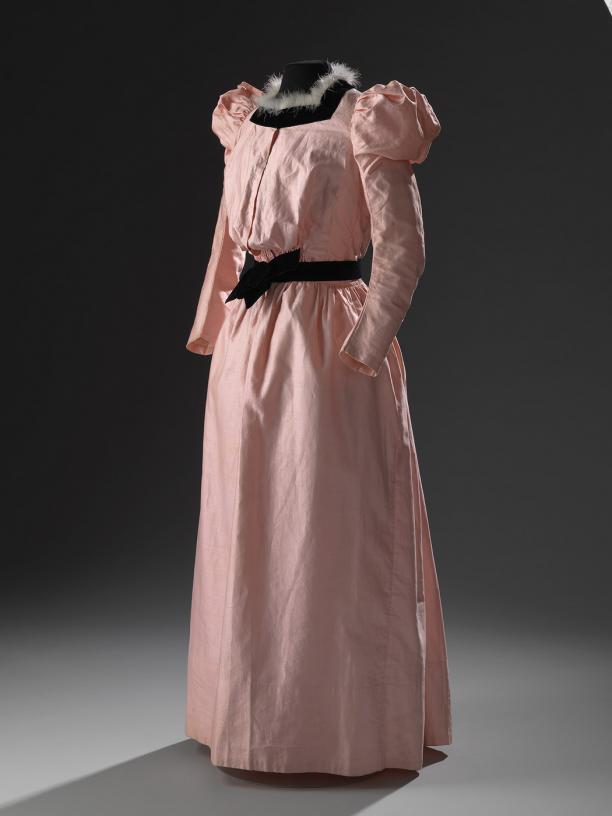 Lijfje Van Tweedelige Japon Modemuze