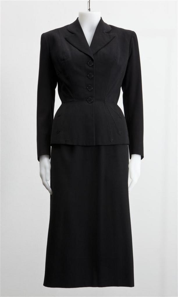 Mantelpak, van zwarte wol bestaande uit getailleerd jasje en kokervormige rok