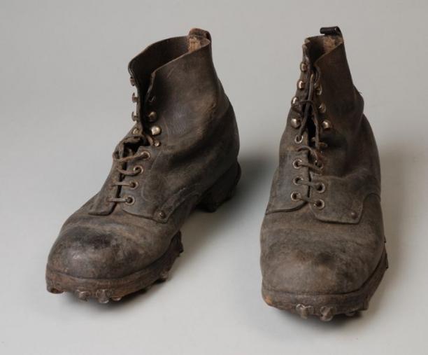 Werkschoenen Rotterdam.Zwarte Leren Enkelhoge Werkschoenen Met Vetersluiting En Leren