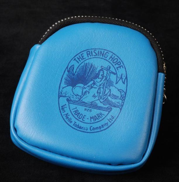 Blauwe Portemonnee.Blauwe Portemonnee Met Opdruk Shagtembakau Tjap Warning Van Van