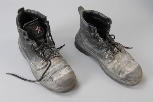 Werkschoenen Rotterdam.Zwarte Werkschoenen Maat 42 Wit Uitgeslagen Van Bulgaarse