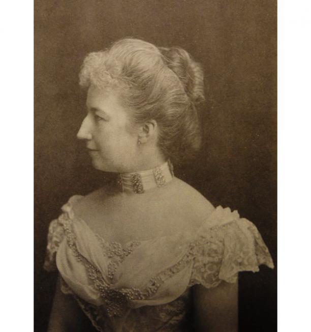 Foto H. Deutmann, Den Haag circa 1900. Jkvr. F.L.H. van de Poll.