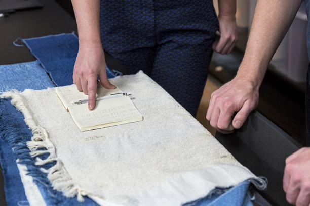 Proces in het TextielLab, Vincent Vulsma. Foto: Josefina Eikenaar/TextielMuseum.