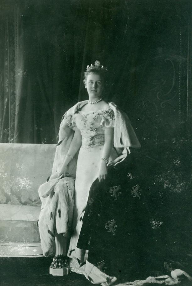 Portret van prinses Wilhelmina door Richard Kameke, Den Haag, 1897. Collectie Paleis Het Loo, Apeldoorn