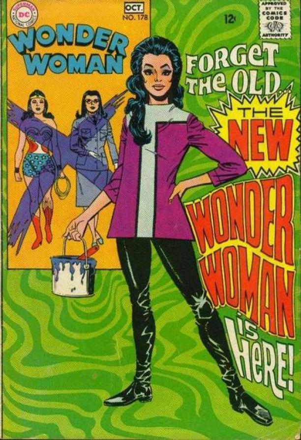 """Voorkant van een Wonder Woman comic book / stripboek van D.C. Magazines. Op de voorkant staat: """"Forget the old, the new Wonder Woman is here!"""""""