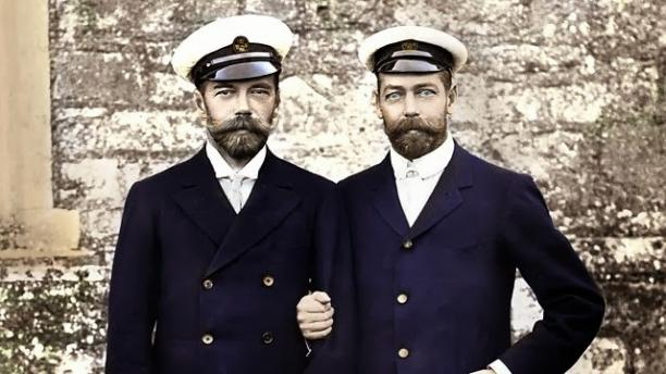 Afbeelding 7: Tsaar Nicolaas II (links) en Britse monarch George V (rechts).