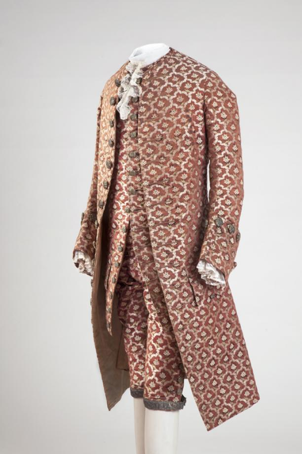 Afb. 4: Herenkostuum 'habit à la française', 1760-1770, inv.nr. 7900, Centraal Museum. Foto: Ernst Moritz.