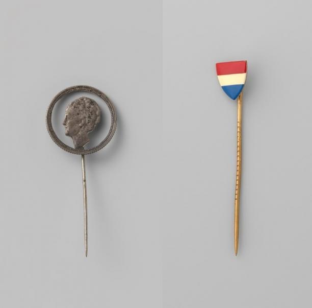 Anoniem, twee reversspelden, 1941-1945. Collectie Rijksmuseum (BK-2010-2-426 en 432-9).