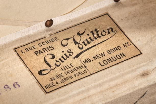 Louis Vuitton-etiket van de nieuwe locatie op de Rue Scribe in Parijs. Foto: Nordic Exhibitions & Events Ltd.