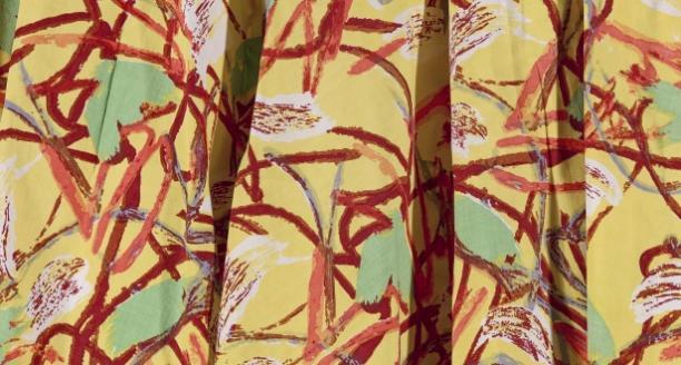 Rok van stof ontworpen door Karel Appel, dankzij Els de Baan opgenomen in de collectie van het Gemeentemuseum Den Haag