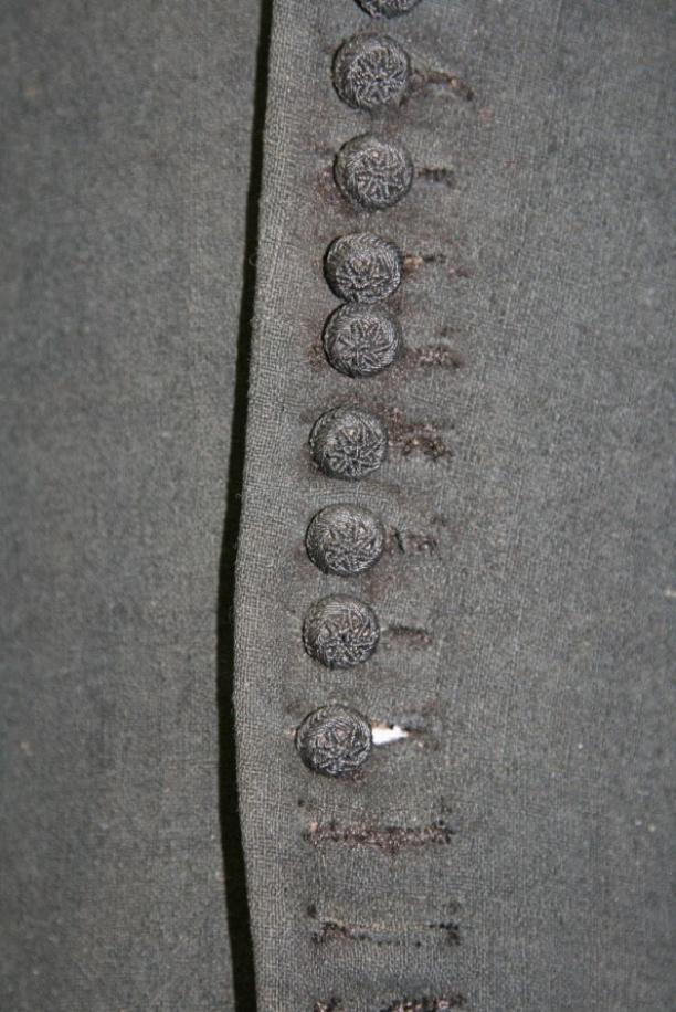 detail wambuis: knopen