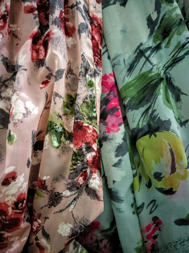 Blog Modemuze door Birthe Weijkamp. Vintage Hoe herken je kleren uit de jaren 20-60. Afb. 5 Gebloemde nylon uit de jaren 50