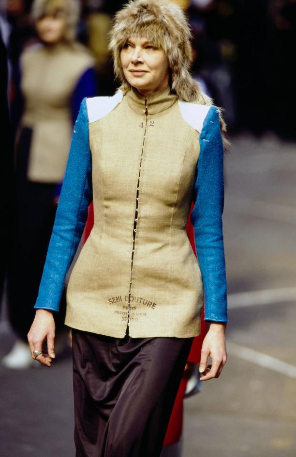 Blog Modemuze Nora Veerman, Reconstructing Hermès. Métiers, materiaal, Martin Margiela. #4 FW97, Vogue