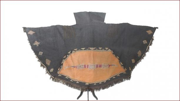 Blog Modemuze Sabine Bolk. Verslag Depot Tropenmuseum 4. Boernoes, akhnif, Berber omslagdoek
