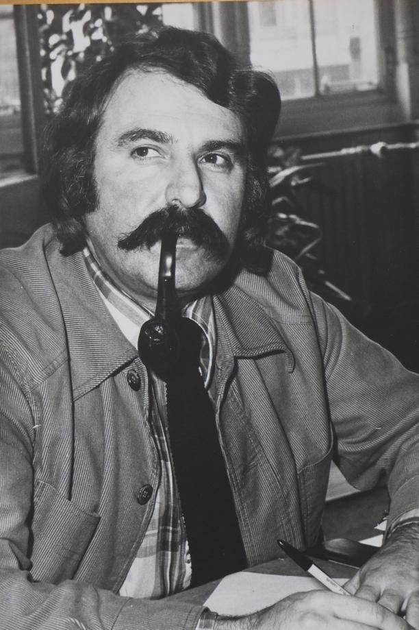 André van der Louw, burgemeester van Rotterdam, op het stadhuis, 1976. Foto: N. Mes, via WikiMedia Commons