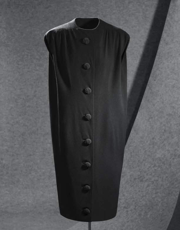 Modemuze Balenciaga Annabel Hoyng - Van der Meijden Sack-Dress