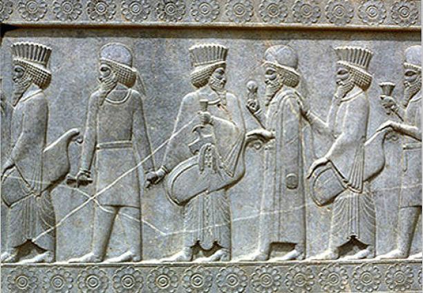 Kleding in perzië en iran de overjas modemuze