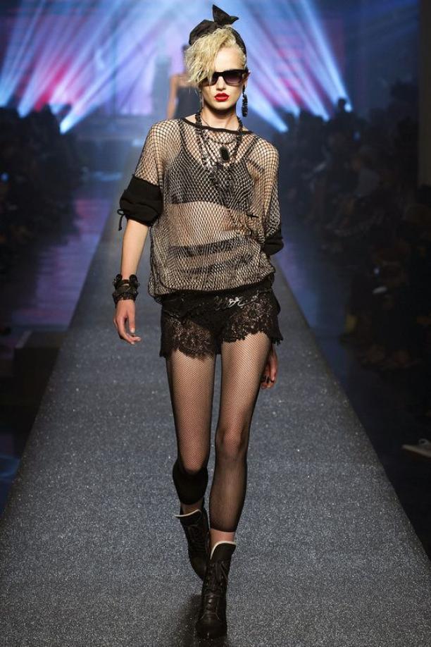 Afb. 7 Jean Paul Gaultier, Madonnalook, lente/zomer 2013 (prêt-à-porter). Bron: Vogue.com.