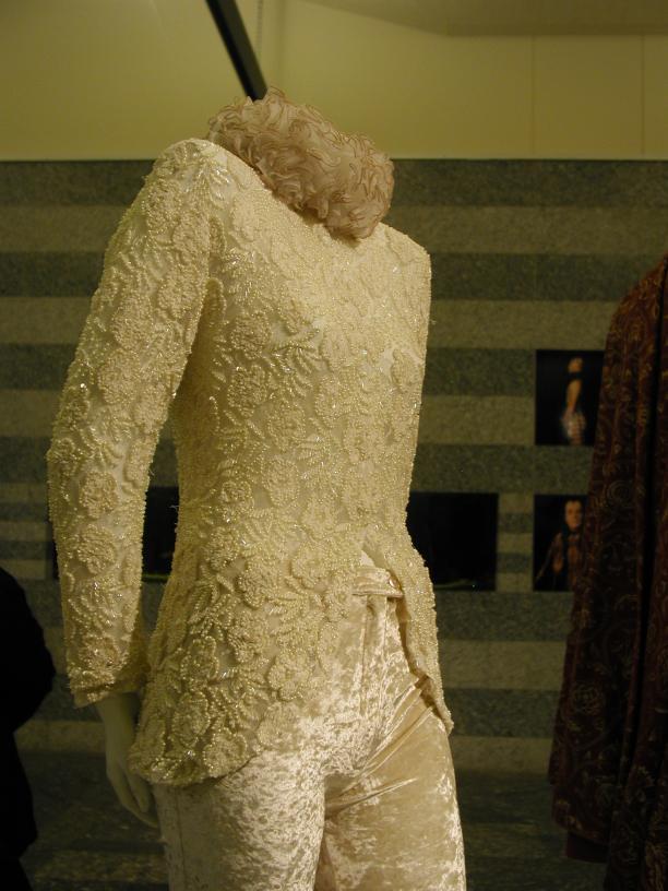 Rien Bekkers, kostuum voor Cordelia, de jongste dochter van King Lear, 2001, Theatercollectie Bijzondere Collecties UvA.