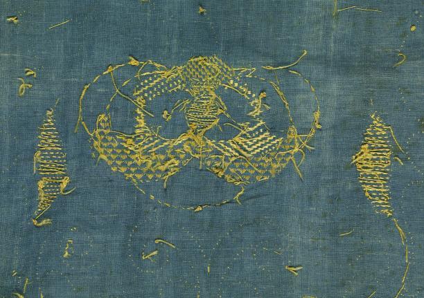 afb. 3 detail borduurwerk achterzijde