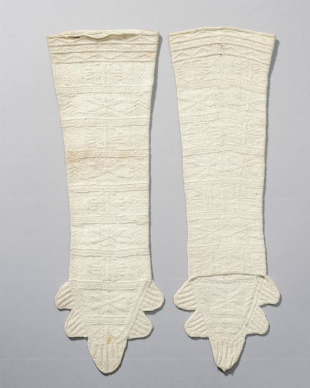 Paar gebreide mitaines, Zaanstreek, circa 1800, collectie Nederlands Openluchtmuseum.