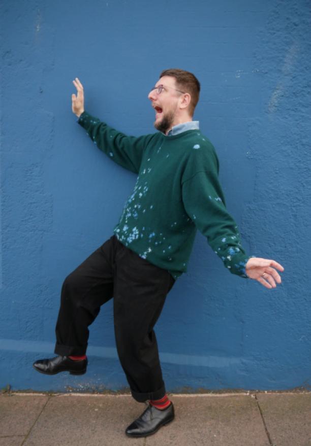 Na 6 jaar wordt de trui weer gedragen, visible mending.