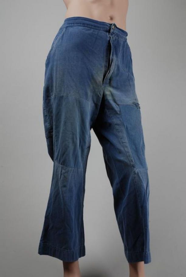 Kuitlange werkbroek van donkerblauw keperkatoen, ca. 1950/1960, collectie Museum Rotterdam