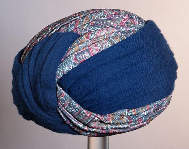 Groen gedecoreerde turban, Maison A. Ruts, ca. 1950/70, collectie Museum Rotterdam, objectnr.: 67251