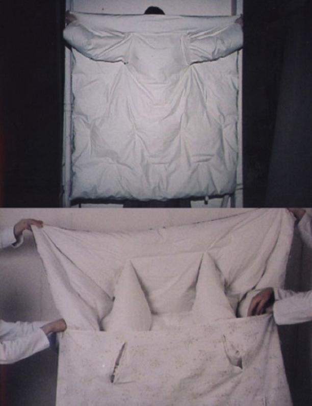 Beeld van de dekbedjas voor de Artisinale collectie uit AW 1999/2000 [3]