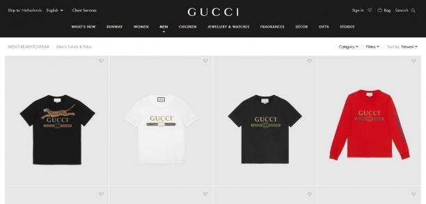 De website van Gucci staat vol met allerlei verschillende soorten logo-shirts.